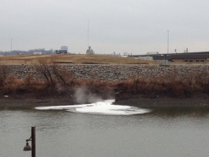 kck sewage overflow across from kaw point.JPG